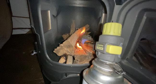 薪ストーブ火入れ